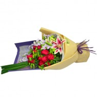 One Dozen Bouquet with Red Lily